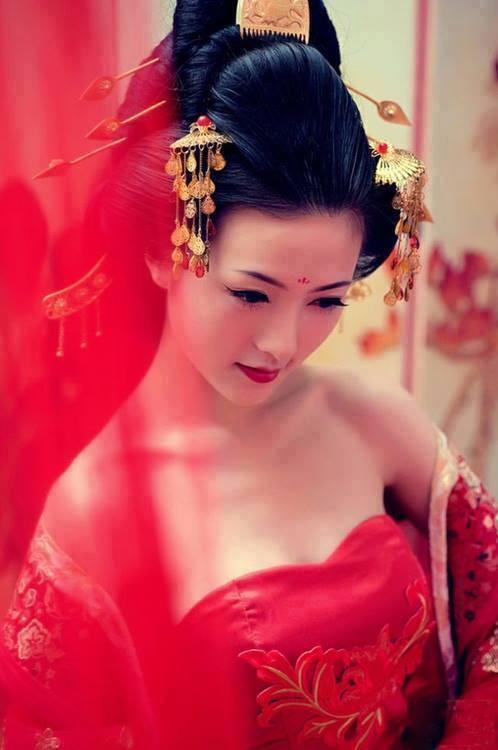 Femmes asiatiques qui aiment le noir