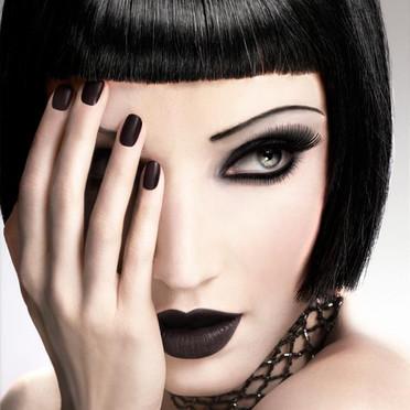 maquillage et look gothique. Black Bedroom Furniture Sets. Home Design Ideas